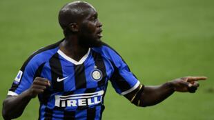 L'attaquant de l'Inter Romelu Lukaku contre la Sampdoria, le 21 juin 2020 à Milan