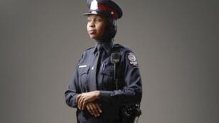 Les femmes policières musulmanes peuvent porter le voile islamique.