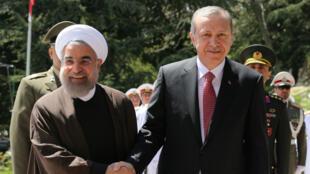 Le président turc Recep Tayyip Erdogan a été accueilli, mardi, par son homologue iranien Hassan Rohani pour une visite officielle d'une journée.