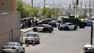 La Policía hace presencia en la escena donde se produjo un tiroteo en El Paso, Texas, EE. UU., el 3 de agosto de 2019.