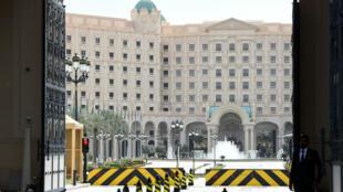 L'entrée principale de l'hôtel Ritz-Carlton à Riyad, en Arabie saoudite, le 11 février 2018.