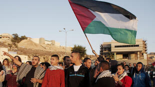 De jeunes Arabes-Israéliens manifestent dans le nord d'Israël après la mort de Kheir Hamdane, tué par la police.