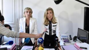 Les avocates de Jacqueline Sauvage, Mes Janine Bonaggiunta (à gauche) et Nathalie Tomasini, à Paris le 12 août 2016,