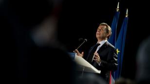 """Les adhérents de l'UMP ont approuvé à 83,28 % le nouveau nom de leur parti, """"Les Républicains""""."""