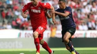 El delantero polaco Kacper Przybylko, en su etapa en el Colonia alemán, durante un partido contra el Arsenal.