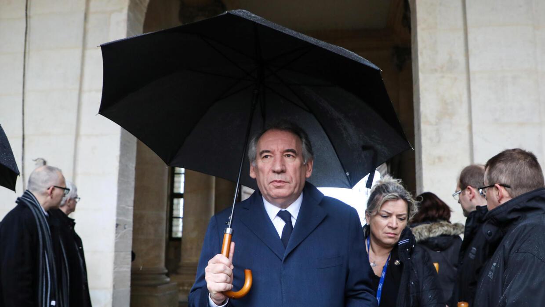 """François Bayrou mis en examen pour """"complicité de détournement de fonds publics"""""""