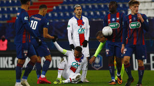 Neymar left the field in last week's French Cup win at Caen with a groin issue