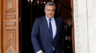 Embajador de España en Venezuela, Jesús Silva, se retira después de su reunión con el ministro de Relaciones Exteriores de Venezuela, Jorge Arreaza.