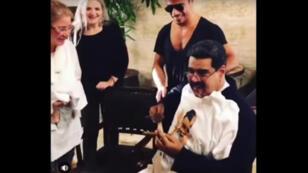La vidéo de Nicolás Maduro chez Salt Bae a été retirée par le chef Gokce, mais posté par d'autres personnes sur Youtube.