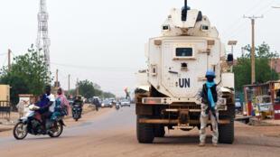 Le Casques bleus de la Minusma patrouillant dans les rues de Gao, à l'est du Mali, août 2018.