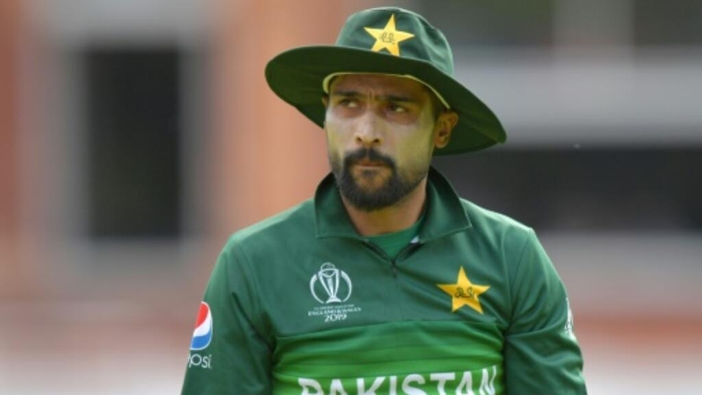 Pakistan fast bowler Amir retires from Test cricket