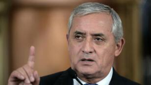 رئيس غواتيمالا أوتو بيريز يقدم استقالته