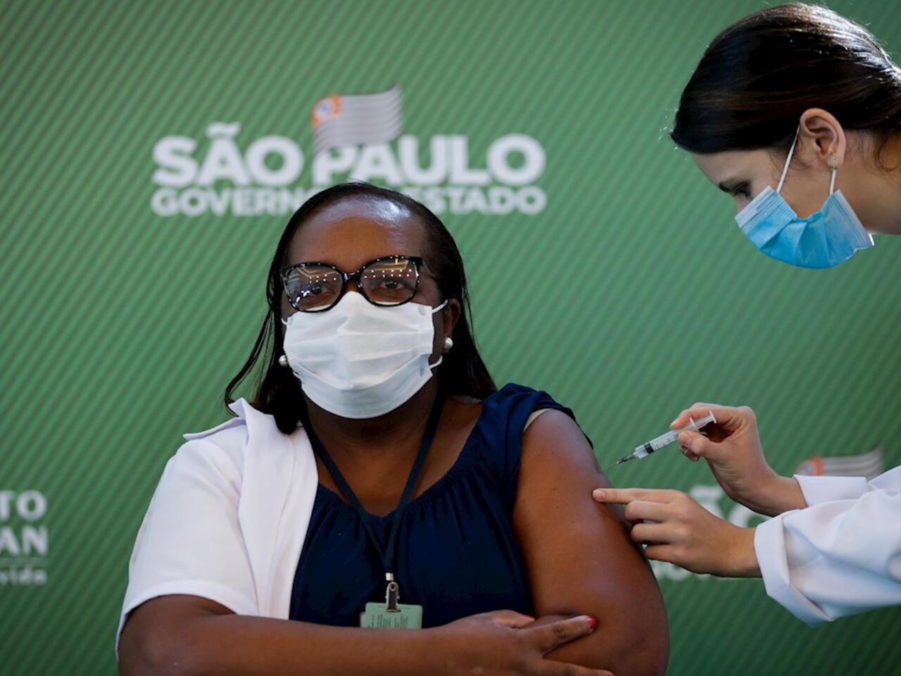 Brasil inició producción de 9 millones de dosis de la vacuna china
