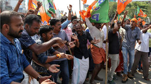 Des hindouistes manifestent contre l'accès aux femmes du temple de Sabarimala, dans l'État indien du Kerala, le 18 novembre 2018.