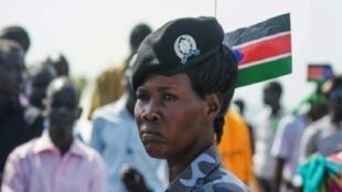 شرطية في جوبا عاصمة جنوب السودان في 9 تموز/يوليو 2015.