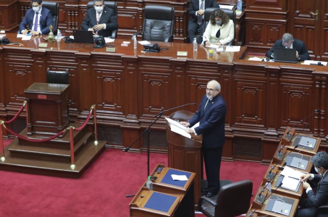 El Gabinete ministerial de Pedro Cateriano duró solo 19 días. El Gobierno peruano no tiene bancada parlamentaria, por lo que los puentes de comunicación con el Congreso pesan sobre el primer ministro.