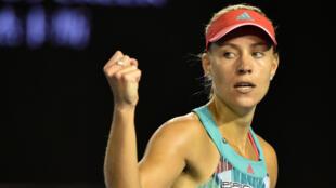Angelique Kerber, 28 ans,  remporte à la surprise générale l'Open d'Australie.