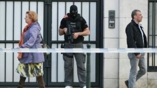 شرطي بلجيكي أمام محكمة بروكسل