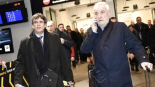 Carles Puigdemont, l'ex-président de l'exécutif catalan, à l'aéroport de Copenhague, au Danemark, le 22 janvier 2018.