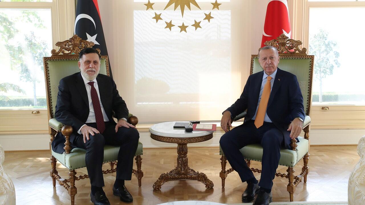 الرئيس التركي رجب طيب أردوغان يلتقي برئيس حكومة الوفاق الوطني الليبية فايز السراج في اسطنبول. 6 سبتمبر/أيلول 2020.