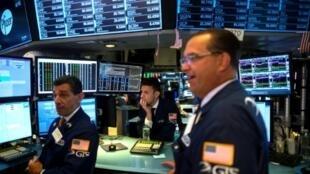 Des traders à la Bourse de New York, le 16 juillet 2019