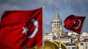 تركيا تجري تدريبات عسكرية بالذخيرة الحية في المتوسط في ظل التوترات