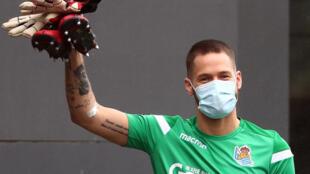 Le gardien de la Real Sociedad Alex Ramiro masqué à l'entraînement le 13 mai 2020 à Lasarte (Espagne)