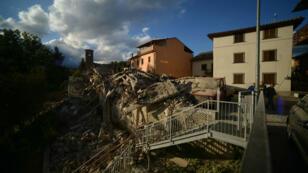 Le séisme qui a frappé le centre de l'Italie, dans la nuit du mardi 23 au mercredi 24 août 2016, a fait plusieurs dizaines de morts.