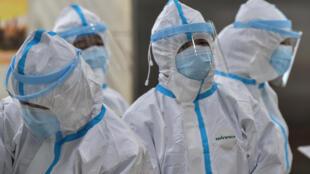 فيروس كورونا يستنفر الجميع في العالم.