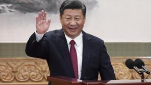 Président de la République populaire de Chine depuis 2013, Xi Jinping devait initialement quitter ses fonctions en 2023.