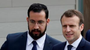 L'ancien conseiller de l'Élysée, Alexandre Benalla, en présence d'Emmanuel Macron, le 12 avril 2018.
