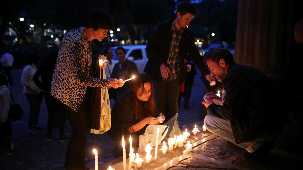 Vigilia en Guatemala en memoria de las víctimas del volcán de Fuego