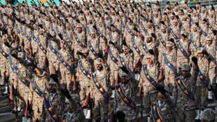عناصر من الحرس الثوري الايراني خلال عرض عسكري في طهران، في 22 ايلول/سبتمبر 2020