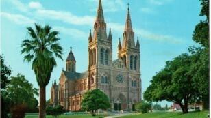 La cathédrale Saint-Pierre d'Adélaïde, dans le sud de l'Australie.