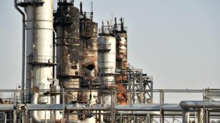 Une installation pétrolière détruite sur le site d'Abqaiq, en Arabie saoudite, le 20 septembre 2019.
