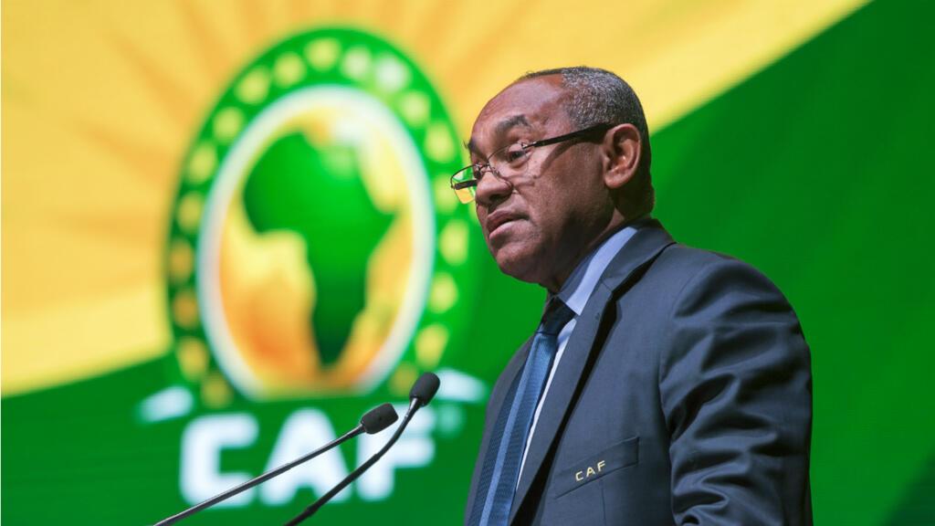 السلطات الفرنسية تستجوب رئيس الاتحاد الأفريقي لكرة القدم على خلفية شبهات فساد