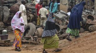 Des femmes voilées musulmanes dans les rues de Yaoundé, la capitale du Cameroun, le 16 juillet 2015.