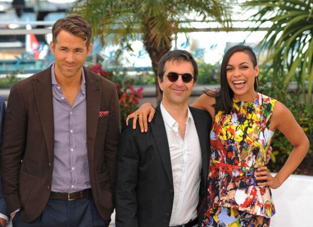 "Ryan Reynolds, Atom Egoyan et Rosario Dawson pour le film ""Captives""."