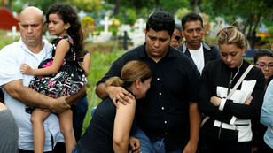 Familiares y amigos le dan el último adiós a Chester Chavarría, el joven que fue asesinado este jueves en Managua. Nicaragua. 9 de junio de 2018.