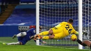 L'attaquant de Chelsea, Timo Werner (g), marque le second but lors du match de Premier League contre Newcastle, à Londres, le 15 février 2021