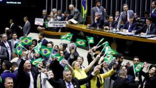 Diputados brasileños aprobaron por mayoría la propuesta para reformar la ley de pensiones el 10 de julio.
