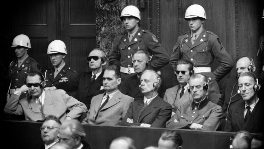 Une photo prise en 1946 lors du procès de Nuremberg montrant certains des principaux accusés, des responsables du IIIe Reich.