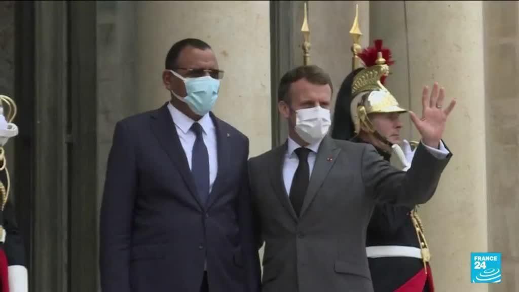 2021-07-09 12:04 G5 Sahel : réunion entre les chefs d'états africains et Macron