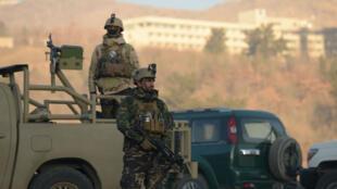 Vue de l'extérieur de l'hôtel Intercontinental de Kaboul, en Afghanistan.