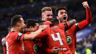 كأس فرنسا: رين يحرز اللقب على حساب حامله سان جرمان بركلات الترجيح. 27 أبريل/نيسان 2019.