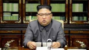 Kim Jong-un responde desde su despacho al discurso de Donald Trump en la ONU, 22 de septiembre de 2017.