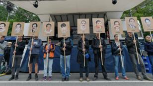 Une manifestation en mémoire des dix victimes du groupuscule néonazi NSU se déroulait devant le tribunal allemand qui a condamné Beate Zschäpe à la prison à perpétuité.
