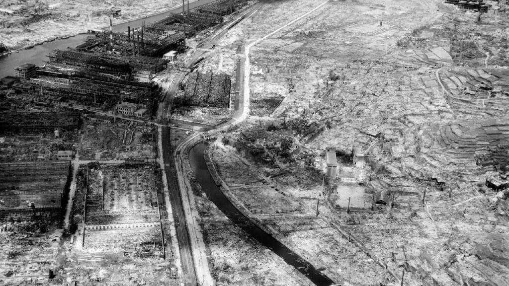 Imagen aérea del 4 de septiembre de 1945, en la que se aprecia la destrucción total de Nagasaki, un mes después de la detonación.