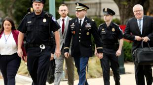 Alexander Vindman, director para los Asuntos Europeos del Consejo Nacional de Seguridad, testificó para la Cámara de Representantes  durante el juicio político contra el presidente Donald Trump, en Washington, Estados Unidos, el 29 de octubre de 2019.