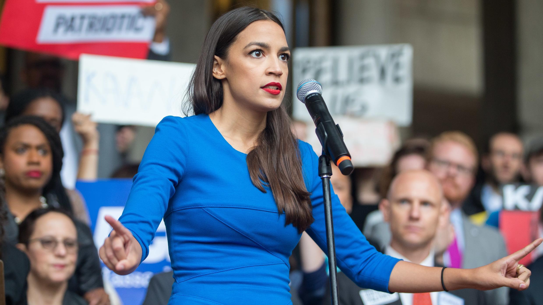 La socialiste Alexandria Ocasio-Cortez, candidate à New York, en campagne, le 1er octobre 2018.